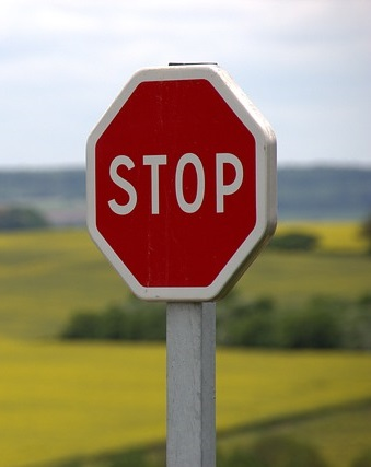 stop route voiture
